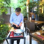 恵比寿 箸庵 - テラスで作りますよ〜♬