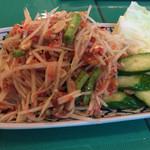 72392495 - ソムタム1200円                       青パパイヤの辛いサラダ