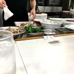 青島食堂 - 調理台