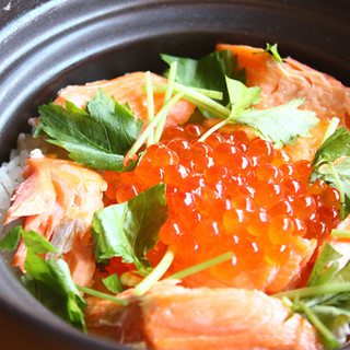 9月より、秋の味覚をふんだんに使った土鍋飯が登場!!