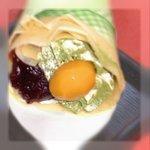 クレープ クランベリー - 料理写真:『宇治抹茶栗あずき』です。宇治抹茶の香りを存分にお楽しみください。