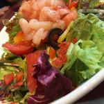 72401241 - 海老とトマトのサラダ(980円)