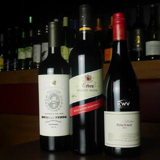 肉のお供に種類豊富なワインを!!