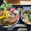 バン ブー - 料理写真:サラダ豚丼880円 大盛り無料(^_^)
