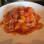 木更津クラゲ - 彩り野菜のトマトパスタ