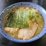 なかた屋 - 料理写真:こく煮干しそば(700円、斜め上から)