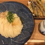 72413785 - 夏野菜天盛うどん(夏野菜天+いわし天) ¥1,000