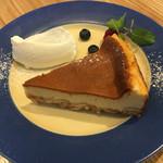 オニジャス コーヒー ヴィレッジ - カリフォルニアアマレットチーズケーキ