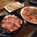 にく家 牛円 - 料理写真:和牛カルビ・ロース2人前ずつ1人前700円税別。