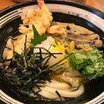 杵屋 - 柚子かけ冷やし天ぷらうどん 750円