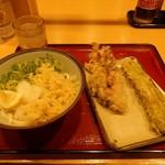あやがわうどん - 料理写真:おろし醤油うどん(全景)