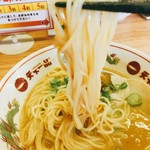 天下一品 - 麺はもちもちの中太ストレート(^^)