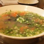 ヨヨナム - 宍道湖産シジミとトマト、ディルのスープ(1200円)