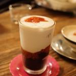 ヨヨナム - 苺とゆで小豆の冷たいチェー(650円)