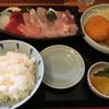 市場亭 - 料理写真:刺身定食フライ付き