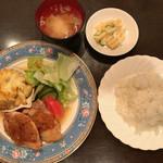 レストラン伍平 - Bセット 若鶏のグリル・グラタン添え オニオンソース ライス・コーヒー付 1,000円