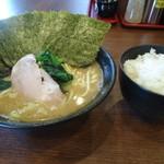 横浜ラーメン 弐七家 - 今日のお昼
