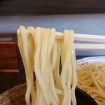 72444769 - 自家製麵の麵の表情