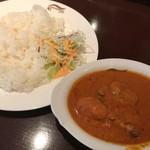 72447335 - ゴングル南青山本店(チキンカレー)