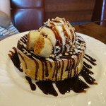星乃珈琲店 - チョコバナナのスフレパンケーキ