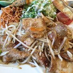 山田食堂 - 肉は多め。