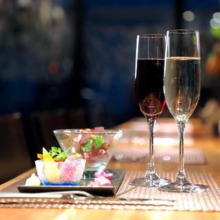 デートやゆっくり2人飲みに最適!おしゃれな大人のカウンター席