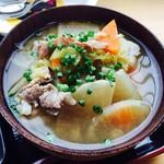 72452014 - 豚汁  白菜・人参・大根・里芋・こんにゃく・豆腐・ごぼう・豚肉…具沢山!