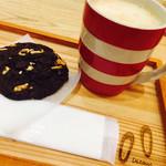 デトール ア ブルーエ - ホットカフェラテ。マグカップ可愛いです。