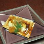 みやじまの宿 岩惣 - 鉢肴:焼穴子燻製 モッツァレラ 髪文字牛蒡 山椒醤油