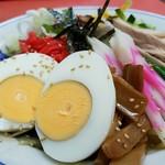 大勝軒 - ゆで卵がゴロンと