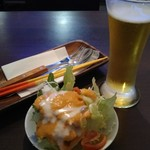 Bistro Archange - 生ビール+ランチにセットのサラダ
