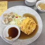 ドンドン飯店 - サービス定食E:カニ玉とシュウマイの定食