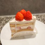 72466899 - 苺のショートケーキ・ルージュ