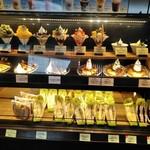 サンマルクカフェ - [内観] 接客カウンター横 料理サンプル & テイクアウト ショーケース
