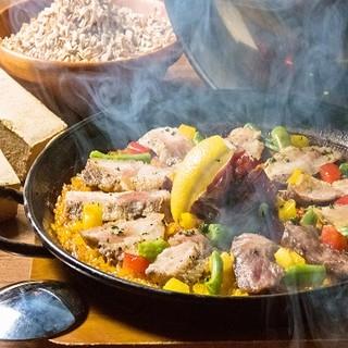 ◆一度食べたらクセになる!イベリコ豚の燻製パエリア◆