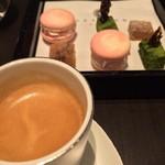 東洋軒 - エスプレッソと小菓子