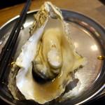 かき殻荘 - 蒸し牡蠣、ポン酢で