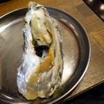 かき殻荘 - 蒸し牡蠣、酒醤油で
