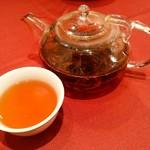 中華 うずまき - 最後は紅茶で