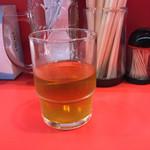 つばさ家 - ドリンク写真:美味しいお茶。 若干、ジャスミンが、香る?烏龍茶系。