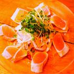富士屋本店 ダイニングバー - びんちょうマグロのゆず塩タタキ
