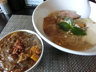 Soul Noodles THE R&R - 牛スジカレー(300円)潮ソバ750円