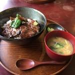 かまど - ステーキ丼 ¥1400