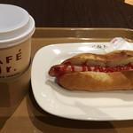 イタリアン・トマト カフェジュニア - ホーム・ブレンドコーヒーL & ホットドッグ
