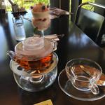 ガーデン・カフェ - 紅茶と、パフェ