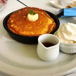 バタープレミアム - 発酵バターの窯出しフレンチパンケーキ