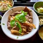 瀬の本農場 八菜家 - 料理写真:赤牛丼 1800円