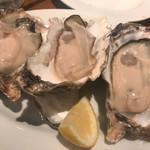 72477522 - 同じ牡蠣でもかなり味が違う!楽しいです。
