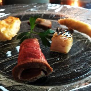 ブラン・ドゥ・ブラン - オードブル。ローストビーフ、キッシュ(特に良い)、鰻、舌平目、しめ鯖。