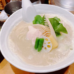 Ginzakagari - 鶏白湯SOBA 大 \1050